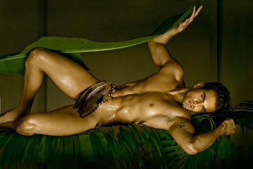 stunning muscle man naked